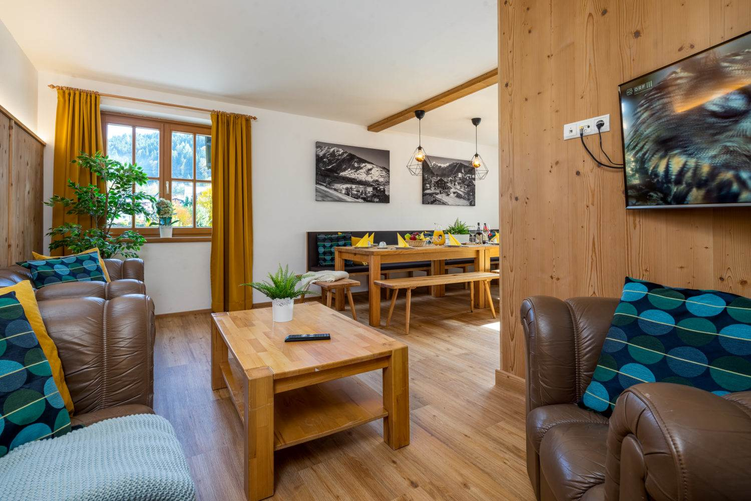 Chalet Alpenstern Dinning / Lounge