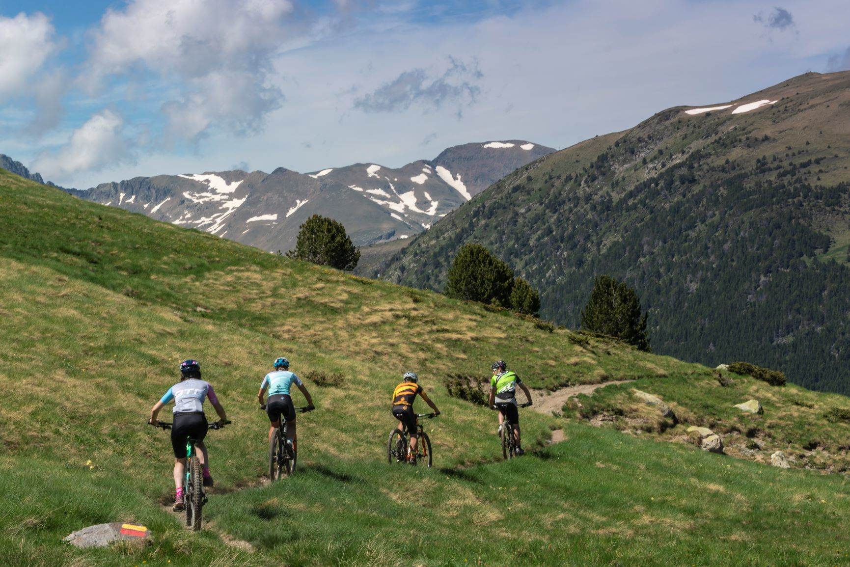 Cross Country High above Arinsal