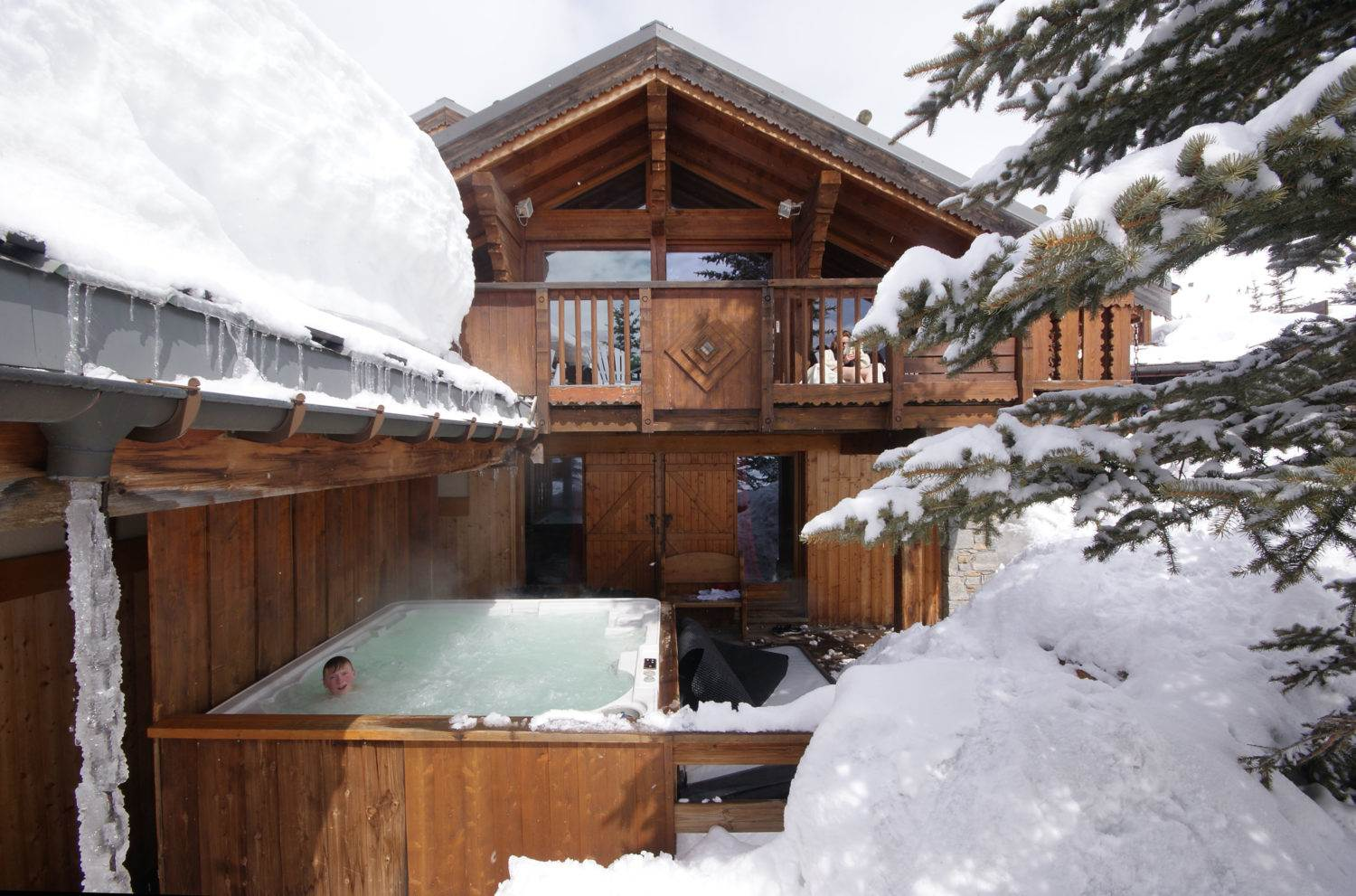 Chalet Blanchot Hot Tub